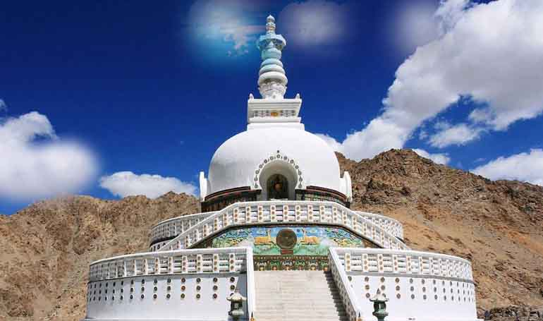 leh-tour-packages-for-family-from-delhi